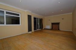 Terraced House To Let  Barnet Hertfordshire EN5