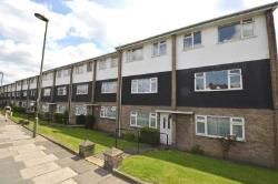 Maisonette For Sale  London Greater London N12