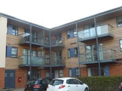 Flat To Let  Chertsey Surrey KT16
