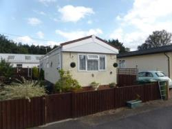Mobile Home For Sale  Sunbury On Thames Surrey TW16