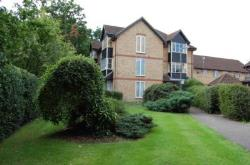 Flat For Sale  Addlestone Surrey KT15