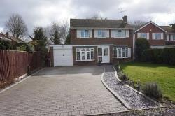 Detached House To Let  Dunstable Bedfordshire LU6