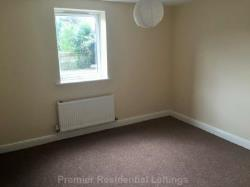 Flat To Let  Manchester Greater Manchester M8
