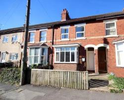 Terraced House To Let  Rushden Northamptonshire NN10