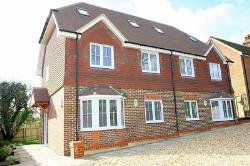 Semi Detached House To Let  Rudgwick West Sussex RH12