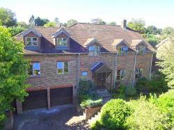 Detached House To Let  Forest Row East Sussex RH18