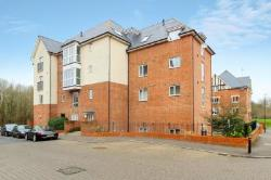 Flat To Let  Maidenbower West Sussex RH10