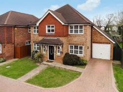 Detached House To Let  Salfords, Redhill Surrey RH1