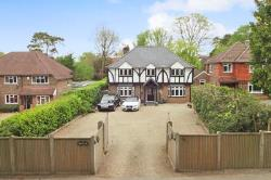 Detached House To Let  Felbridge West Sussex RH19