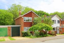 Detached House To Let  Rudgwick West Sussex RH12