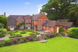 Detached House To Let  Merstham Surrey RH1