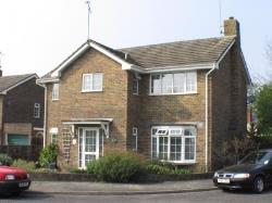 Detached House To Let  Riverhead Sevenoaks Kent TN13