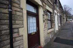 Terraced House To Let  Ashton Under Lyne Greater Manchester OL5