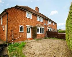 Semi Detached House To Let  Fleet Hampshire GU52