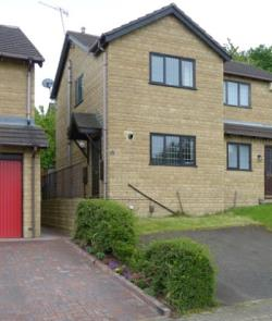 Semi Detached House To Let  Leeds West Yorkshire LS27