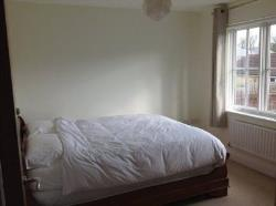 Semi Detached House To Let  Hayes Middlesex UB4