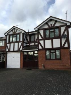 Detached House To Let  Bilston West Midlands WV14