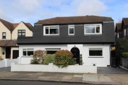 Detached House For Sale  Hornchurch Essex RM11
