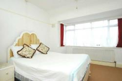 Terraced House To Let  Northolt Middlesex UB5