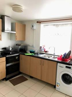 Maisonette To Let  Hounslow Middlesex TW4