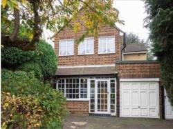 Detached House To Let  Feltham Middlesex TW14