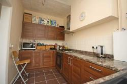 Terraced House To Let  Isleworth Middlesex TW7