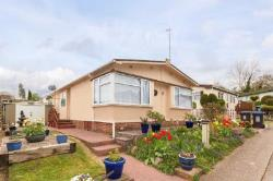 Mobile Home For Sale  Berkhamsted Hertfordshire HP4