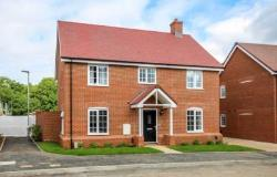 Detached House To Let  Berkhamsted Hertfordshire HP4