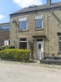 Semi Detached House To Let  Rochdale Lancashire OL16