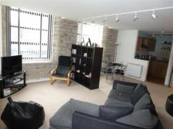 Flat To Let Longwood Huddersfield West Yorkshire HD3