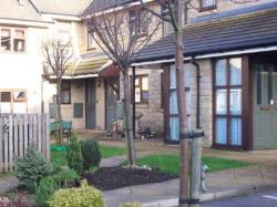 Flat To Let  Leeds West Yorkshire LS19