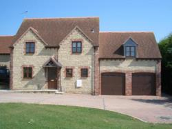 Detached House To Let  Carterton Oxfordshire OX18