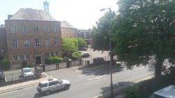 Flat To Let  London, Greater London N11