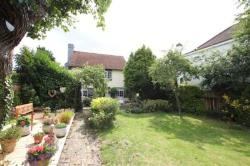 Detached House To Let  Leigh on Sea Essex SS9