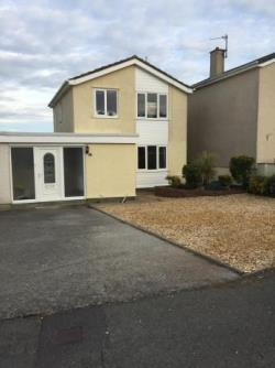 Semi Detached House To Let  Holyhead Isle Of Anglesey LL65