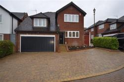 Detached House For Sale   Greater London N20