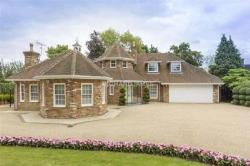 Detached House For Sale   Hertfordshire EN5