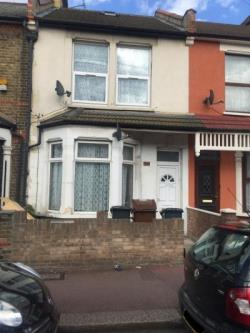 Flat For Sale  London Essex IG11