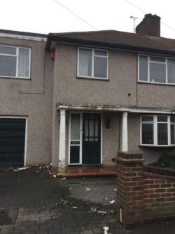 Terraced House To Let  London Essex RM9