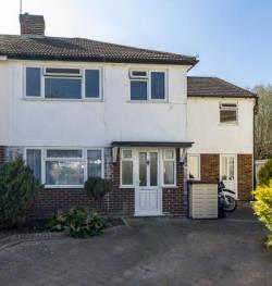 Detached House To Let  Hampton Middlesex TW12