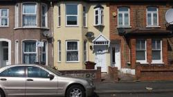 Terraced House To Let  Barking Essex IG11