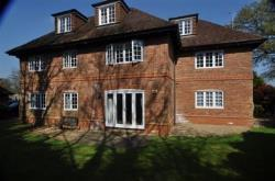 Flat To Let   Hampshire GU46