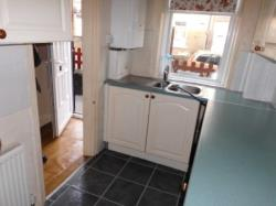 Terraced House To Let  MORLEY West Yorkshire LS27