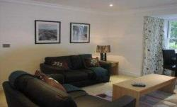 Flat To Let   Surrey KT10