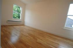 Flat To Let   Greater London SW20