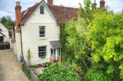 Semi Detached House For Sale  Aylesbury Buckinghamshire HP17