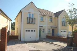 Semi Detached House To Let  Torquay Devon TQ2