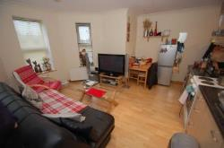 Flat To Let  Torquay Devon TQ2