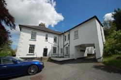 Flat To Let  Totnes Devon TQ9