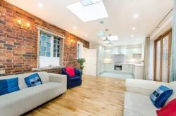 Terraced House To Let  London Greater London SW4